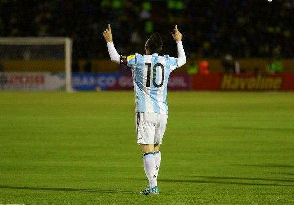 800px-ECUADOR_VS_ARGENTINA_(36956136633)