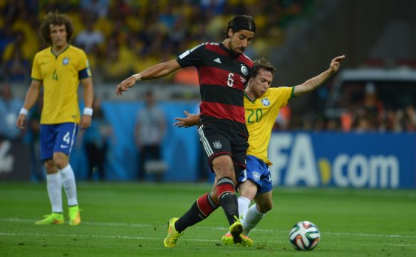 Brazil_vs_Germany,_in_Belo_Horizonte_07.jpg